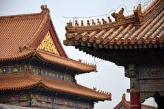 Ddecorative tak i Forbidden City i Peking, Kina Royaltyfri Fotografi