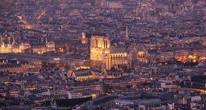 de法国贵妇人晚上notre巴黎 免版税库存照片