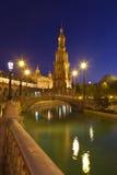 de西班牙晚上广场塞维利亚西班牙 免版税库存图片