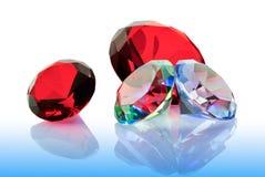 De ädelstensmaragdarna, rubinerna och diamanterna Arkivfoton