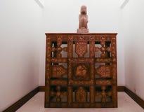 """De """"Wijsheid van de Aarde"""" door Roemeense beeldhouwer Constantin Brancusi Stock Afbeeldingen"""