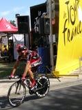 путешествие de Франции велосипедиста Стоковые Фотографии RF