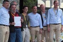 Ανώτεροι υπάλληλοι στην εξέδρα του γύρου de Γαλλία Στοκ εικόνες με δικαίωμα ελεύθερης χρήσης