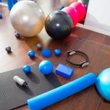 De aërobe Pilates van de de ballenrol van de materiaalmat magische ring Stock Afbeeldingen