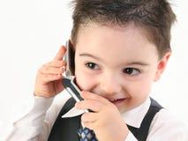 De aanbiddelijke Jongen van de Baby in Kostuum op Cellphone Royalty-vrije Stock Fotografie