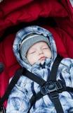 De aanbiddelijke slaap van de babyjongen Royalty-vrije Stock Fotografie