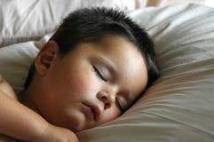 De aanbiddelijke Slaap van de Jongen van de Baby Royalty-vrije Stock Foto's