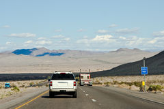 De Aandrijving van de Woestijn van Mojave Stock Afbeeldingen