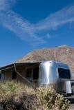 De aanhangwagen van de reis in woestijn Royalty-vrije Stock Fotografie