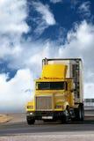De aanhangwagen van de vrachtwagen royalty-vrije stock afbeelding