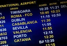 De aankomsttijden van de luchtvaartlijn Stock Afbeeldingen