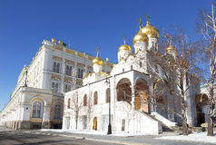 De Aankondigingskathedraal van Moskou het Kremlin op een Zonnige de winterdag, royalty-vrije stock foto