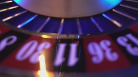 de aantallen van een roulettewiel stock video