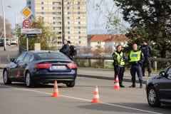 De aanvallen van Frankrijk Parijs - grenstoezicht met Duitsland stock foto's