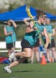 De aanvaller van de Lacrosse van meisjes Stock Afbeeldingen