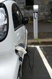De aanvulling van post voor elektrische auto's Royalty-vrije Stock Foto's