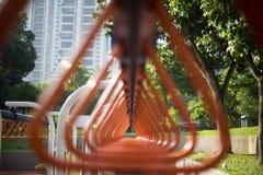 De aapbar bij de speelplaats Stock Afbeeldingen