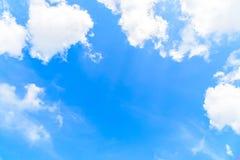 De aard van Blauwe hemel met wolk in de ochtend stock afbeeldingen