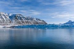 De aard van het landschapsijs van de gletsjerbergen van van de de winter polaire dag van Spitsbergen Longyearbyen Svalbard noordp royalty-vrije stock foto