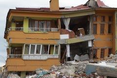 De aardbeving in Ercis, Bestelwagen. Stock Afbeeldingen