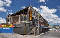De Aardbeving van Christchurch - de Schade van de Winkel van TV van het Halsdoek Stock Foto's