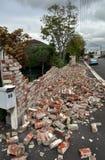 De Aardbeving van Christchurch - Instortingen de In de voorsteden van de Muur Royalty-vrije Stock Foto's