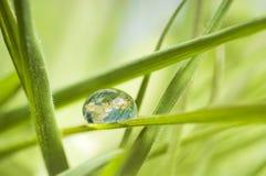 De aarde in een daling Stock Fotografie