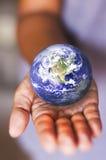 De aarde van de besparing Royalty-vrije Stock Foto's