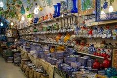 De aardewerkwinkel, Arabische markt in Oude Stad van Jeruzalem Stock Fotografie