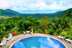 De aardlandschap van Thailand Zwembad in toevlucht vakanties B Stock Foto