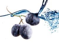 De aas van druiven. Isolatie op wit Stock Afbeeldingen