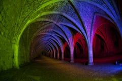 De abdij ondergrondse bogen van fonteinen Stock Foto