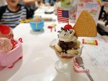 8 de abril de 2019, Bangkok-Tailandia, helado central de Swensen Trat Ladprao imágenes de archivo libres de regalías