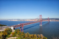 25 de Abril Bridge在葡萄牙 图库摄影
