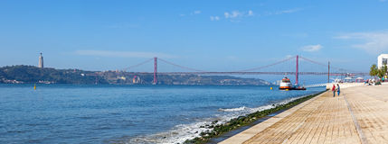 25 De Abril Bridge Lisbon Lizenzfreie Stockbilder