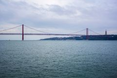 25 DE Abril Bridge in Lissabon Royalty-vrije Stock Foto's