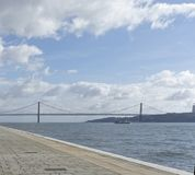 25 DE Abril Bridge over de Tagus-Rivier Royalty-vrije Stock Afbeeldingen