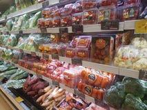 20 de abril de 2017 Kuala Lumpur Exposição do alimento em Jaya Grocer Supermarket fotos de stock