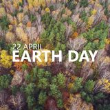 22 de abril Dia de terra Vista aérea do mais forrest com c diferente Imagens de Stock