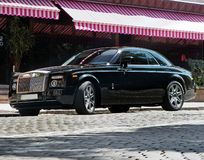 11 de abril de 2013, Kiev Ucrânia Rolls royce Phantom Coupe na cidade fotos de stock royalty free