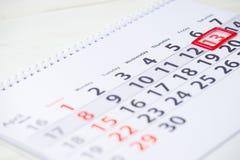 13 de abril marca en el calendario Imagen de archivo libre de regalías