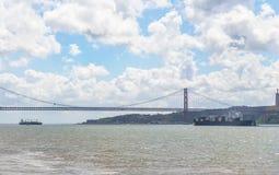 25 de abril puente Imágenes de archivo libres de regalías