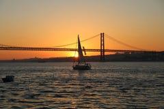 25 de abril puente Fotos de archivo