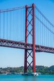 25 de abril puente en Lisboa, Portugal Imágenes de archivo libres de regalías