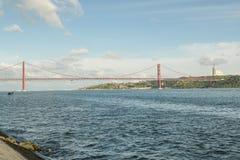 25 de abril puente sobre el río Tagus Foto de archivo libre de regalías