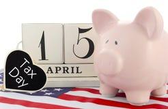 15 de abril recordatorio del calendario para el día del impuesto de los E.E.U.U. Foto de archivo