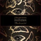 De abstracte achtergrond met antiquiteit, het luxe zwarte en gouden uitstekende kader, victorian banner, vlinders op kant haken, stock illustratie