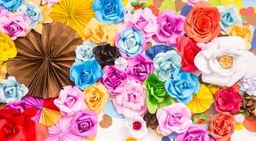 De abstracte achtergrond van Rose Flower Paper van de behangregenboog Kleurrijke Stock Foto's