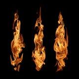 De abstracte die inzameling van brandvlammen op zwarte achtergrond wordt geïsoleerd stock foto