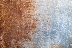 De abstracte donkere versleten roestige achtergrond van de metaaltextuur Stock Fotografie